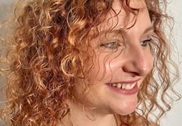 Tuto vidéo soin Avril : cheveux bouclés