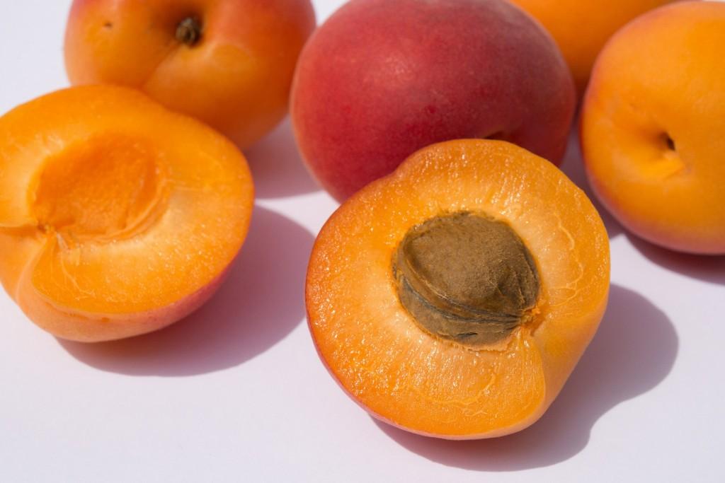L'huile de noyau d'abricot, une mine de bienfaits pour la peau